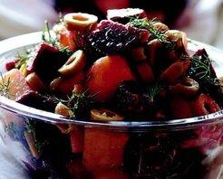 Kırmızı Pancar Turşulu Patates Salatası Tarifi