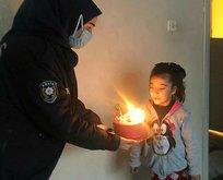 Küçük kızın doğum gününü polis ekipleri kutladı
