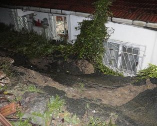 Beşiktaşta toprak kayması