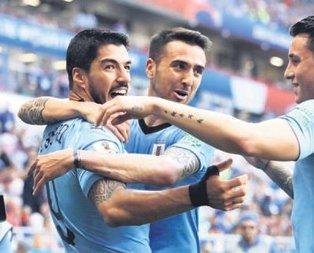 Uruguay son 16 biletini kaptı