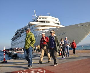 Kruvaziyer turizmi kıskaçta