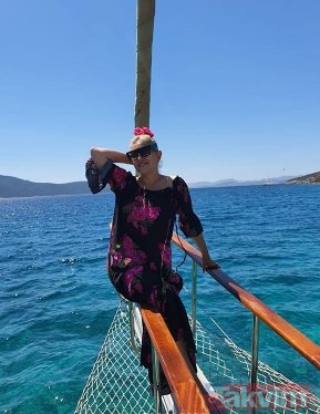 Muazzez Ersoy tekne pozlarıyla photoshop yapanlara meydan okudu! İşte 62 yaşındaki Muazzez Ersoy...