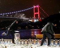 İstanbullular kar yağışının keyfini çıkardı
