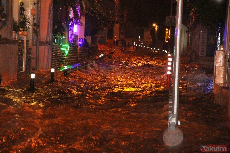 Bodrum'da şiddetli yağmur sokakları göle çevirdi