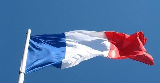 Fransa'da skandal! Asker selamı veren öğrenci...
