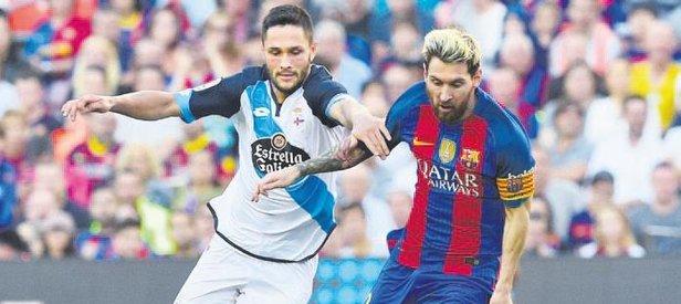 Messi & Ronaldo'yu solladı