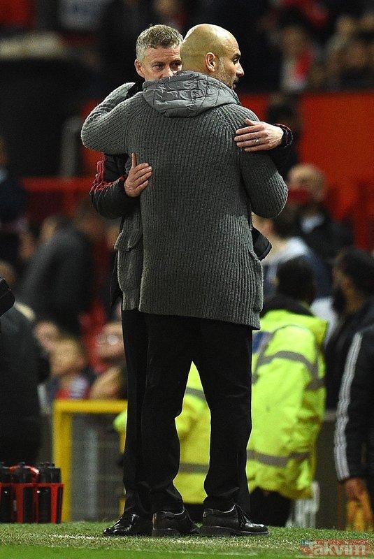 Manchester City'den şampiyonluk yolunda dev adım! Manchester United - Manchester City maçından kareler...