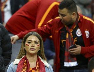 Galatasaray- Fenerbahçe derbisinde müthiş coşku