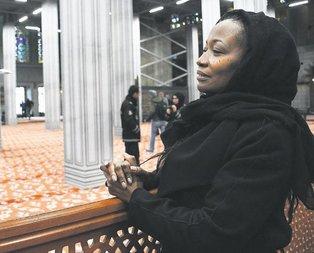 ABD'li şarkıcı Della Miles, Müslüman oldu