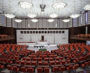Son dakika: Türk Silahlı Kuvvetleri (TSK) personeline ilişkin kanun teklifinin ilk 8 maddesi TBMM'de kabul edildi
