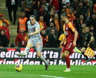 Aslan'ın galibiyet serisi sona erdi! Galatasaray 0-1 Başakşehir (MAÇ SONUCU)