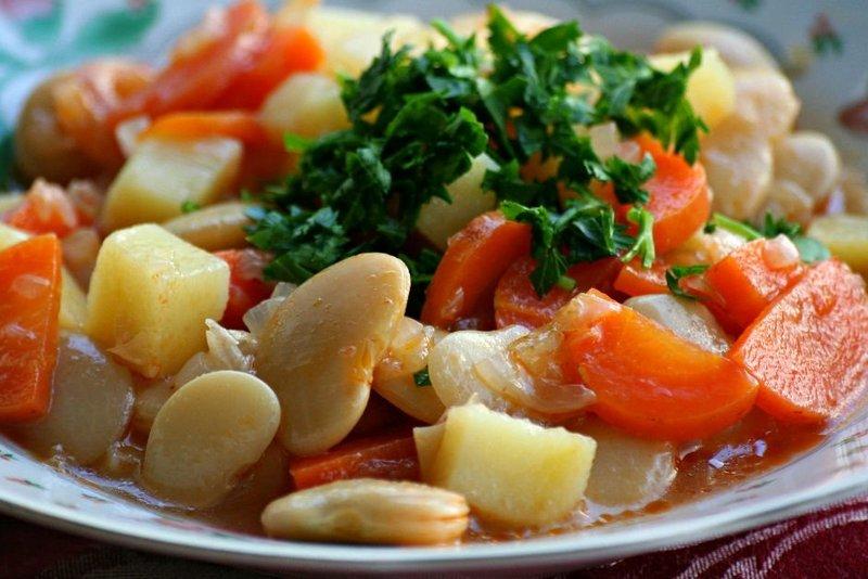 Pratik ve lezzetli fasulye pilaki nasıl yapılır?