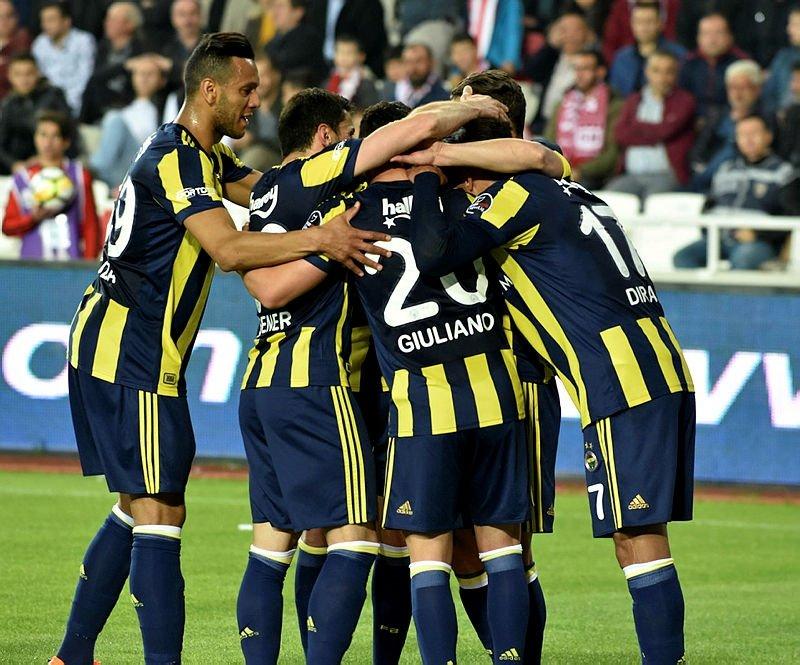 Fenerbahçede yaprak dökümü! İşte gidecek 8 futbolcu