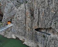 Dünyanın en tehlikeli yolu... Yapımı 132 yıl sürdü
