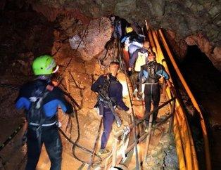 Tayland'da mutlu son: 12 çocuk ve antrenörleri kurtarıldı