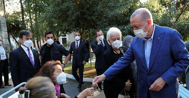 Başkan Erdoğan Darülaceze sakinlerine hediye