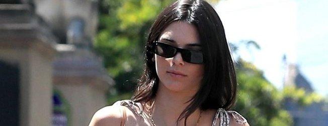 Kendall Jenner'ın giydiği pantolon görenleri şaşkına uğrattı!