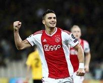 Ajax deplasmanda AEK'yı 2 golle geçti