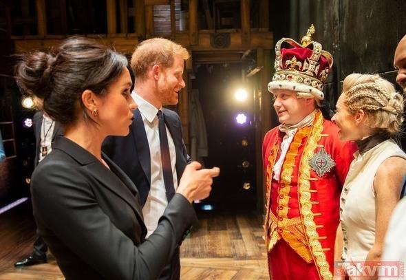 İngiliz kraliyet ailesinin yeni üyesi Meghan Markle mini elbisesiyle davete gitti...