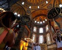 Ayasofya Camii'ne girişlerde kıyafet düzenlemesi getirildi