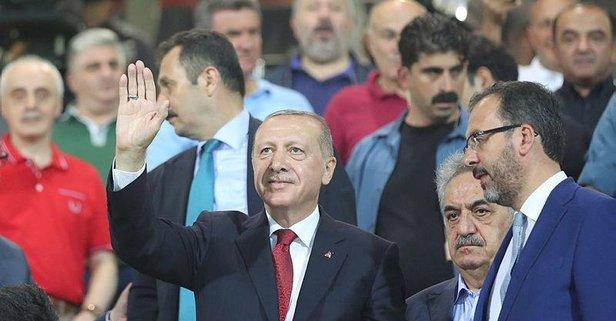 Başkan Erdoğan'a Rize'de sevgi seli