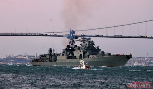 Karadenizde Soğuk Savaş Rus Savaş Gemisi Istanbul Boğazından