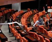 CHP'li Tanrıkulu'ndan Meclis'te kürsü şov