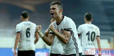 En iyi 10 oyuncu açıklandı! İçlerinde Beşiktaş'tan Pepe'de var!