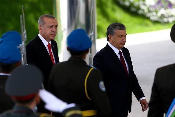 Cumhurbaşkanı Erdoğan Özbekistanda böyle karşılandı
