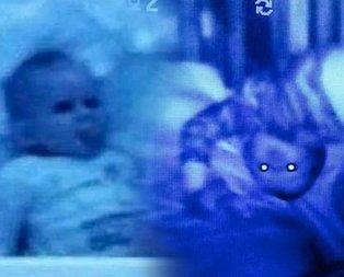 Bebeğinin odasına kamera koydu! Görünce kanı dondu