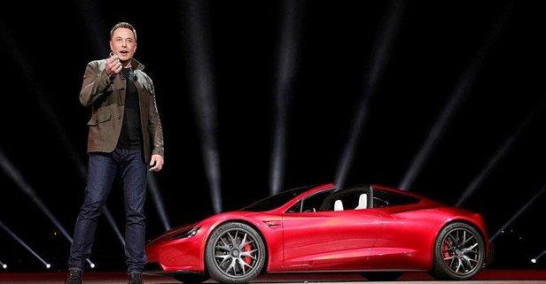 Elon Musktan flaş açıklama! Çekiliyor mu?