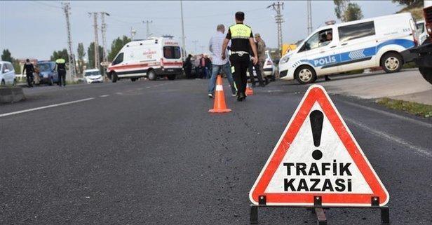Sivas'ta minibüs devrildi: Yaralılar var