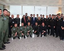 Bakan Albayrak Uçuş Akademisi'ni ziyaret etti