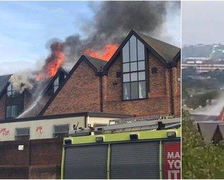 Londra'da AVM'de yangın paniği