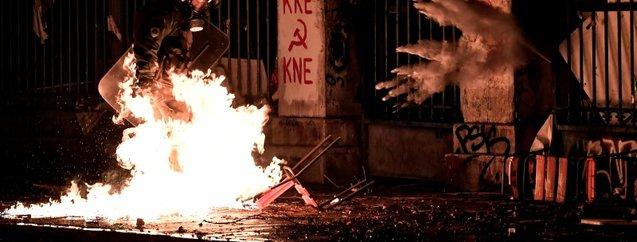 Yunanistan'da halk ABD Büyükelçiliği'ne yürüdü