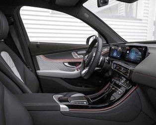 Mercedesin yeni canavarı otomotiv dünyasına bomba gibi düştü!