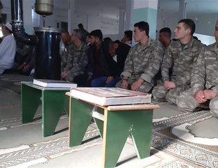 Tel Abyad'da huzurlu cuma! Mehmetçik ve Suriye Milli Ordusu askerleri yan yana saf tuttu