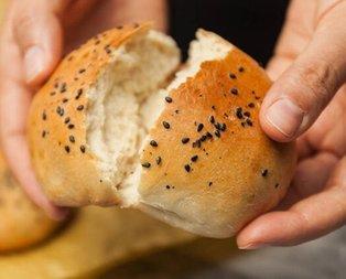 Ekmeği kestiğinizde böyle delik delikse... Yemeden önce mutlaka kontrol edin!