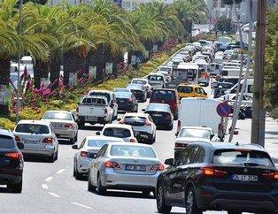 Nüfusu 10 katına çıktı! Trafik kilitlendi oteller doldu