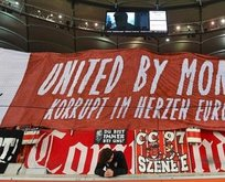 Alman taraftarlar: Federasyonumuz UEFAya rüşvet verdi