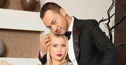 Popçu Serdar Ortaç'la ayrılan Chloe Loughnan'ın aldığı reklamlara boşanma indirimi geldi!