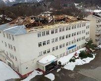 Bartın'da fırtına okul çatısını uçurdu