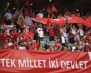 Bakü'de tribünler kırmızı beyaz! İşte Türkiye-Galler EURO 2020 maçından renkli görüntüler...