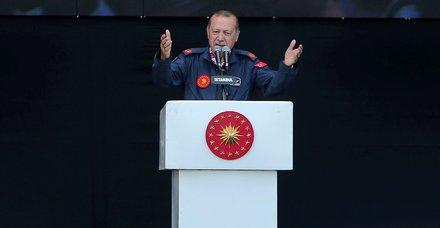Son dakika: Başkan Erdoğandan AVMcilere dolar uyarı: Takkeleri değişiriz