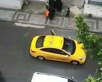 Taksicinin araçtan attığı kadın sokakta doğum yaptı