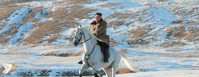 Kutsal Dağ'da bu kare ile mesaj verdi! Dünya Kuzey Kore Lideri Kim Jong'un bu görüntülerini konuşuyor!