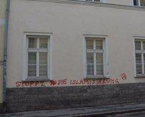 Avusturyada İslam toplumu merkezine ırkçı saldırı