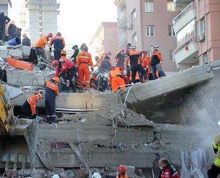SON DAKİKA: İzmir'de Doğanlar Apartmanı'nda bir anne ve 3 çocuğu enkazdan çıkarıldı
