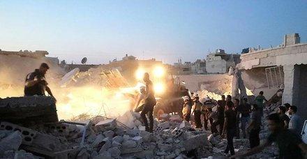 Esed rejimi İdlib'i vurdu: 5 ölü