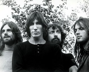 Pink Floyd korona salgını nedeniyle Youtube'dan özel yayınlara başladı